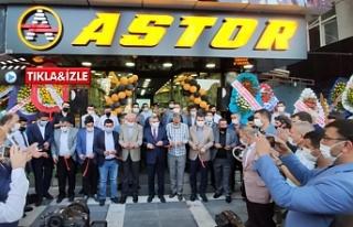 Astor'un merkez şubesi görkemli bir şekilde...