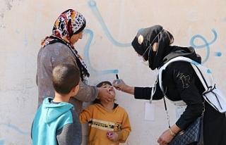Barış Pınarı Bölgesi'nde çocuklar aşılanıyor