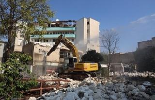 Kızılay Binasının yıkımı gerçekleştirildi
