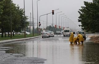 ŞUSKİ'de sağanak yağış mesaisi