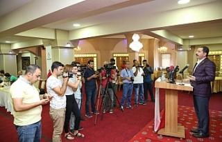 Baydilli Gazeteciler gününü kutladı