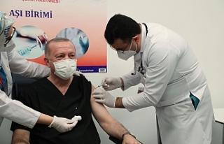 Erdoğan'da aşı oldu...
