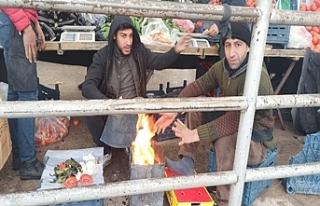 Urfa'da pazar esnafı üşüyor!