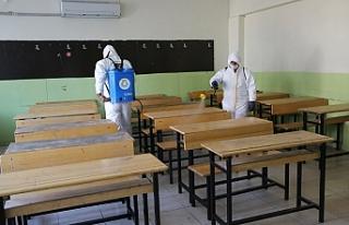 Haliliye Belediyesi okulların temizliğini sürdürüyor