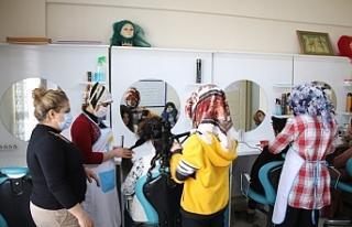 Haliliye'de, Millet Evleri'nde eğitim alıyorlar