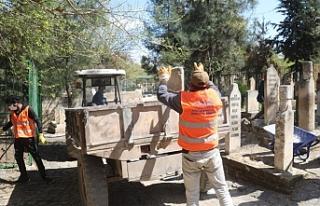 Urfa BŞB mezarlıklarda çalışma başlattı