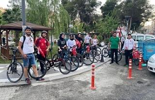 19 Mayıs'ı pedallayarak kutladılar