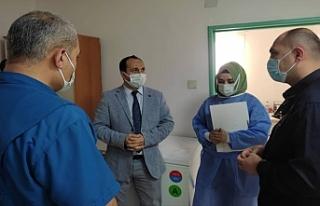 Sınır hattındaki hastaneleri incelediler