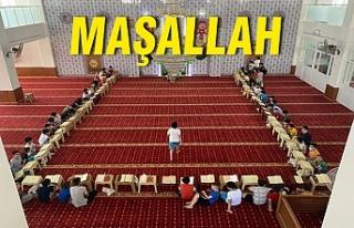 Urfa'da Kur'an okumak isteyen çocuklar...