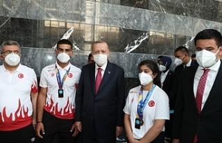 Urfalı sporcular Erdoğan'la buluştu