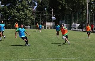 Yeni transferler takımla birlikte çalışmalara...