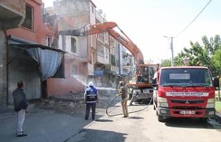 Haliliye'de neşter vurulmaya devam ediliyor