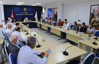 Muhtarlarla AK Parti'de olağan toplantı yapıldı