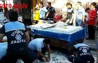 Urfa'da zabıtaya bıçakla saldıran seyyar...