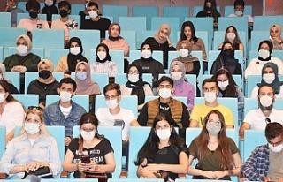 HRÜ'de yeni öğrencilere oryantasyon günleri...