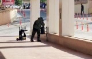Acil servis önünde bomba paniği