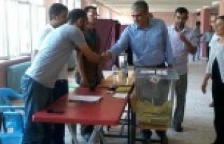 Ayhan:Bazı köylerde blok Oy kullanıldı...