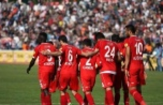 Bal-Kes Süper Lig'e yakın!