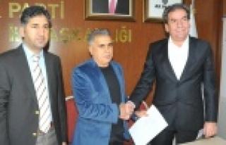 Barış Elçisi, AK Parti'ye başvurdu