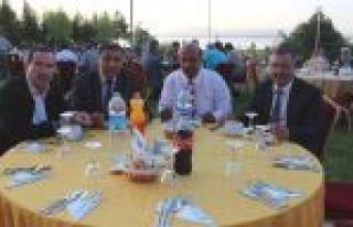 Beyşehir'de Tapu Ve Kadastro Çalışanları Yemekte...