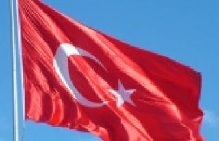 Bölücü terör örgütü Türk bayrağını yaktı...