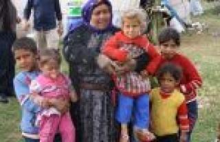 Cihanbeyli'de Urfalı Tarım İşçilerinin Çadır...