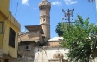 Dabakhane Camii kurtarılmayı bekliyor