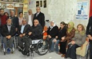 Demirkol engelli kardeşlerini unutmadı