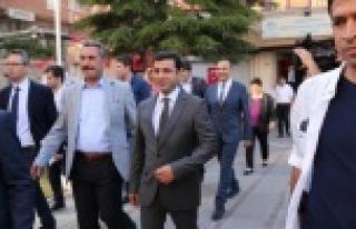 Demirtaş'a, ziyaret sonrası sürpriz protesto