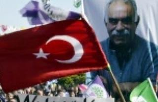 HDP mitingindeTürk bayrağı sallandı