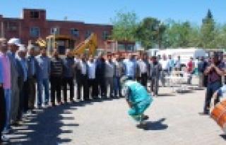 Hilvan Belediyesi 1 Mayıs işçi Bayramını Kutladı