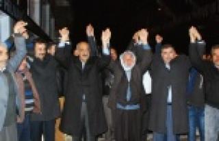 HİLVAN'DA AK PARTİYE KATILIMLAR DEVAM EDİYOR