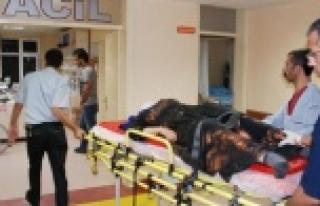 Hilvan'da Otomobil Devrildi: 4 Yaralı