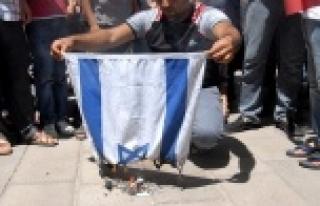 İsrail bayrağı yakıldı