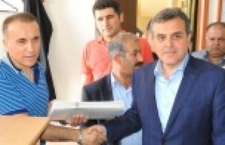 Mazbataları AK Parti İl Başkanı aldı