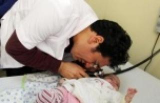 Şanlıurfa'da Günde 2 Bin 600 Çocuk Muayene Ediliyor...