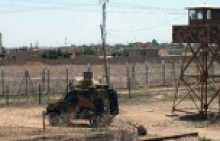 Sınırı geçmeye çalışan Suriyeliler yaralandı...