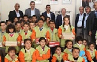 Suriyeli Öğrencilere Giysi ve Ayakkabı Yardımı...