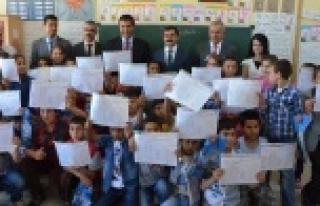 Urfa'da 600 Bin öğrenci karne aldı