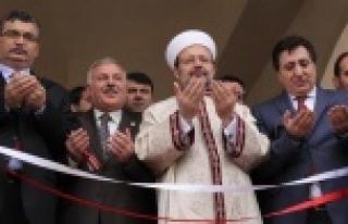 Urfa'da camii açılışına katıldı...