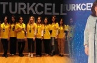 Urfalı Kardelen Turkcell'le geleceği yazıyor