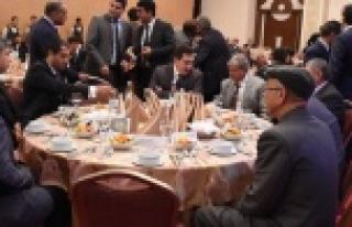 Vali Küçük Türkmen aileleriyle bir araya geldi...
