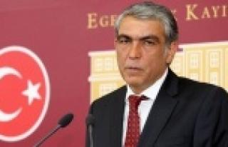 Vekil Ayhan'dan Bakan'a 5 kritik soru