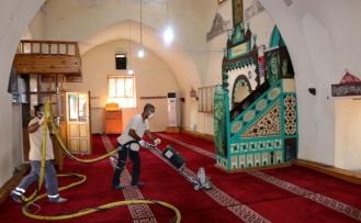 Siverek'te ibadethaneler dezenfekte edildi