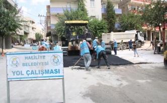 Asfalt sırası Demir İzzet Caddesinde