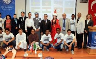 Yabancı Öğrenciler Yöresel Kıyafetleriyle Ülkelerini Tanıttı