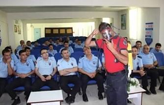 Cezaevi personeline eğitim verildi