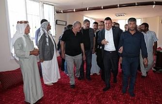 MHP heyeti yaralıları ziyaret etti