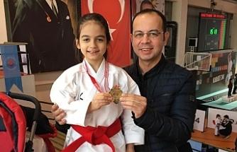 Urfalı Öğretmenin Kızı İstanbul Birincisi Oldu