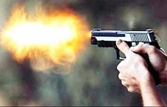 Evinden çıkan kişi silahla vuruldu...